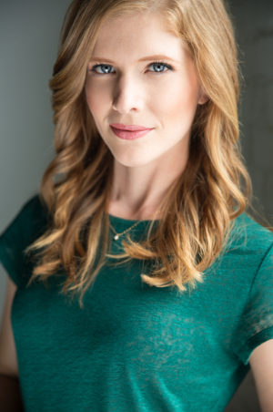 Caitlin Collins Headshot